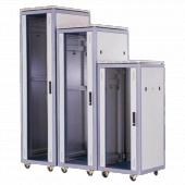 Коммутационные шкафы и стойки (295)